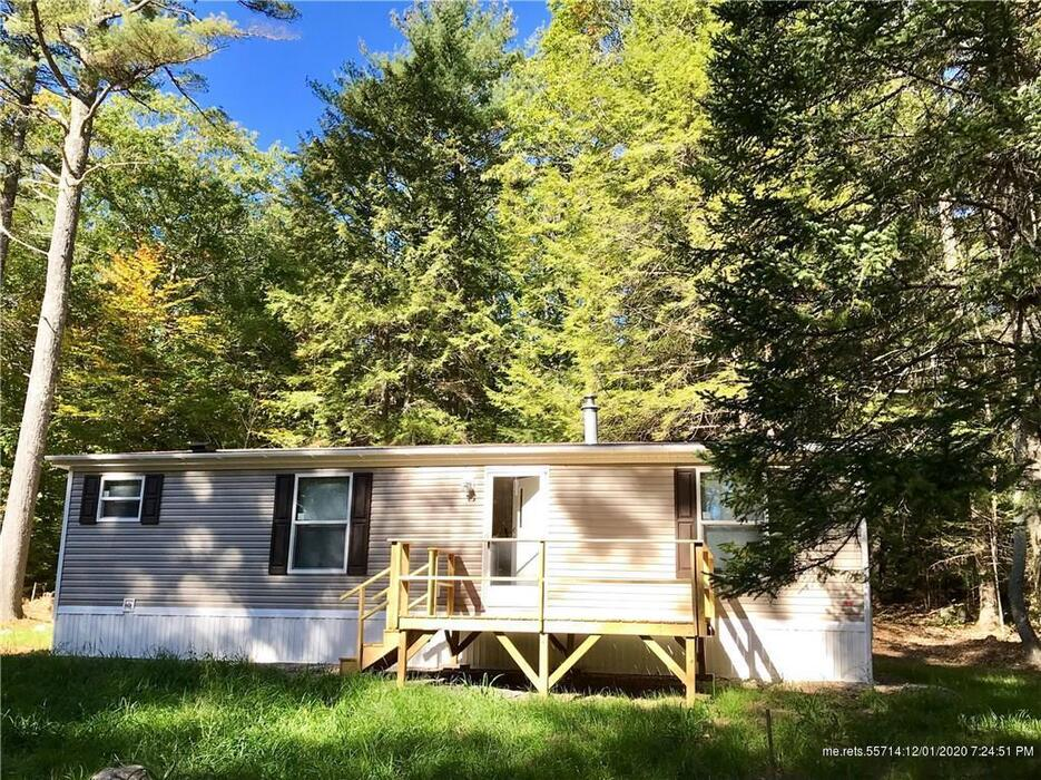 9 Boot Hill Road, Nobleboro, Maine 04555