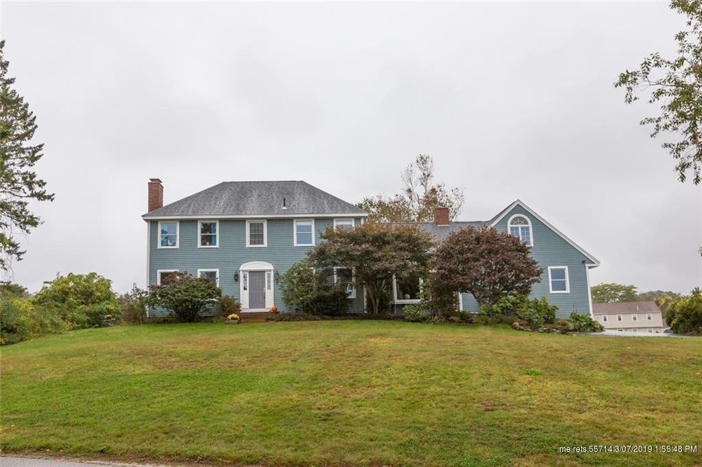 17 Salt Spray Lane, Cape Elizabeth, Maine 04107
