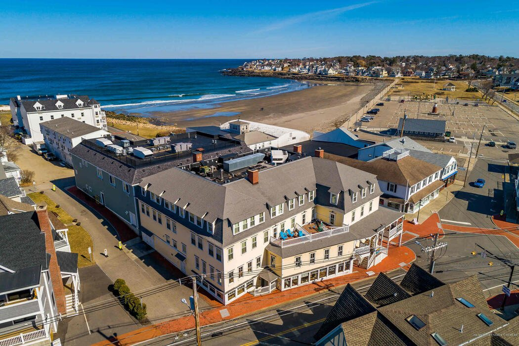 2 Beach Street, York, Maine 03909