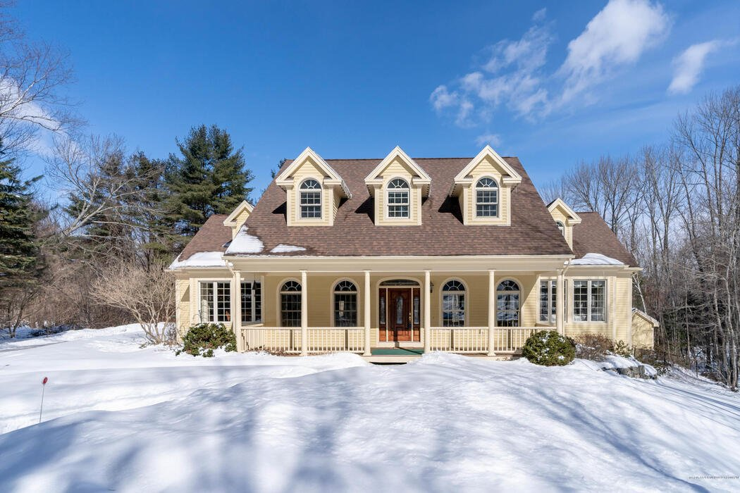 4 Goldenrod Lane, Falmouth, Maine 04105
