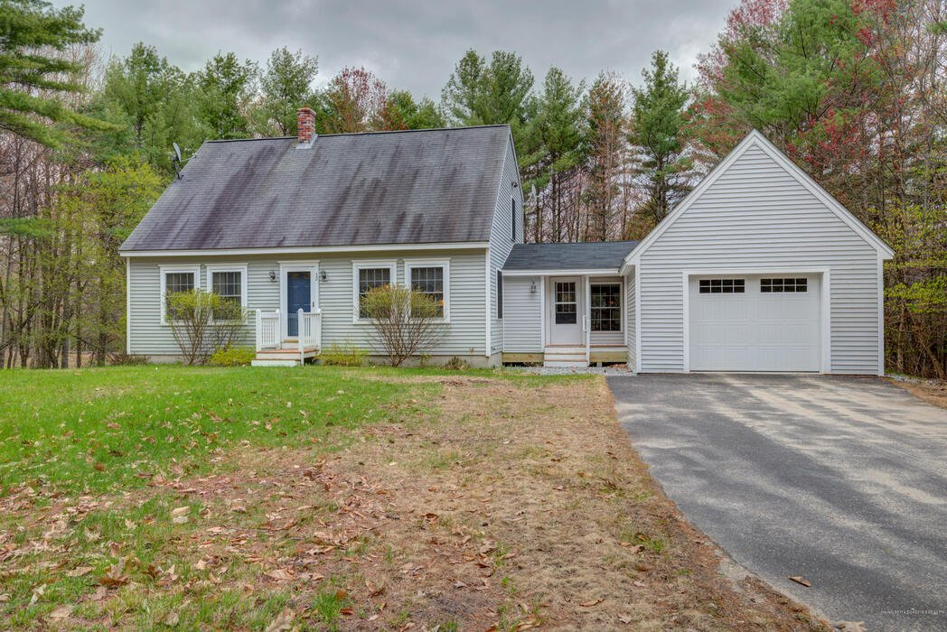 32 Mountain View Road, Naples, Maine 04055