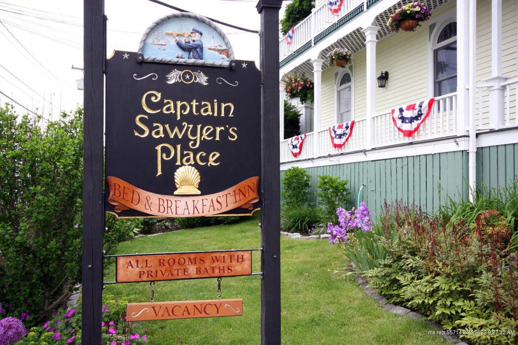 55 Commercial Street, Boothbay Harbor, Maine 04538