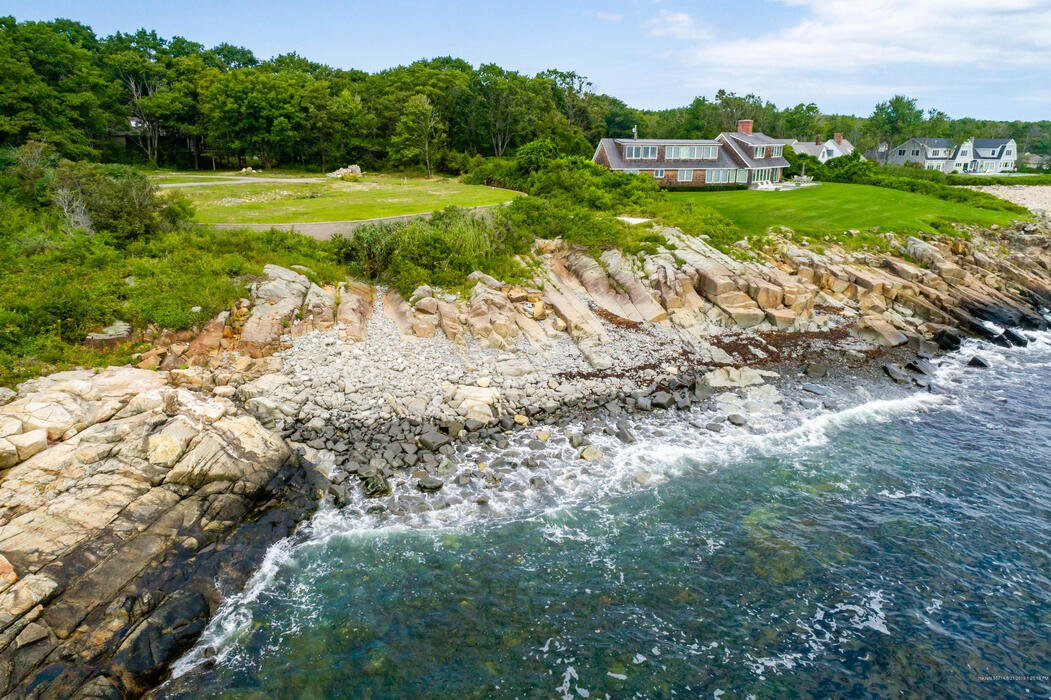 255 Ocean Avenue, Kennebunkport, Maine 04046