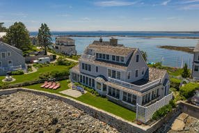 8 Lords Point Road, Kennebunk, Maine 04043