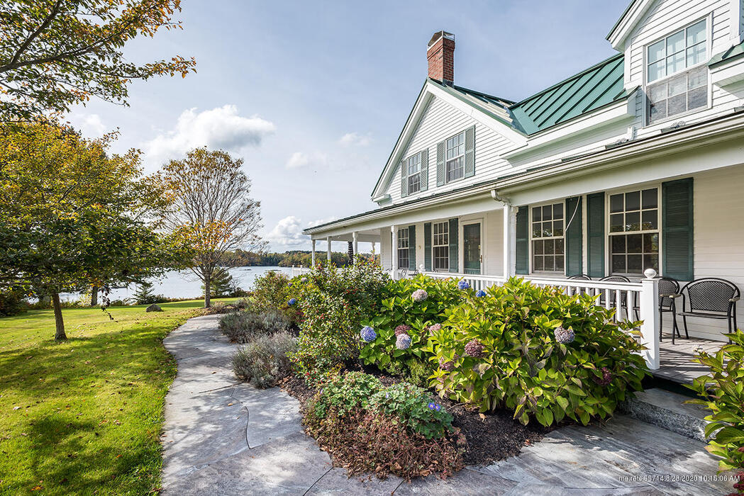 32 Hodgdon Cove Road, Boothbay Harbor, Maine 04575